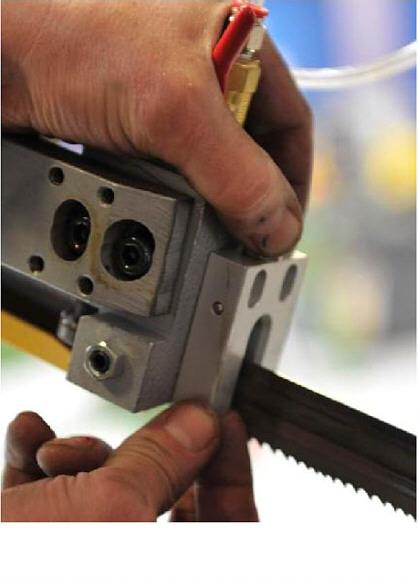 mounting mql nozzle block